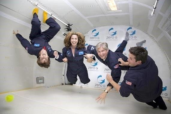 شرایط فضانوران هنگام بی وزنی در این هواپیما (فضانورد شدن؛به حقیقت پیوستن یک رویای دیرینه)